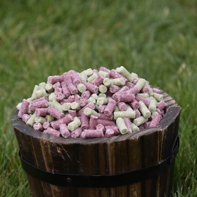 Ready Peck Suet Pellets Apple and Blackcurrant